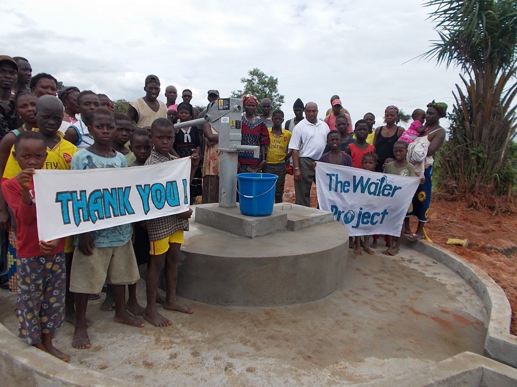 The Water Project : sierraleone5048_01