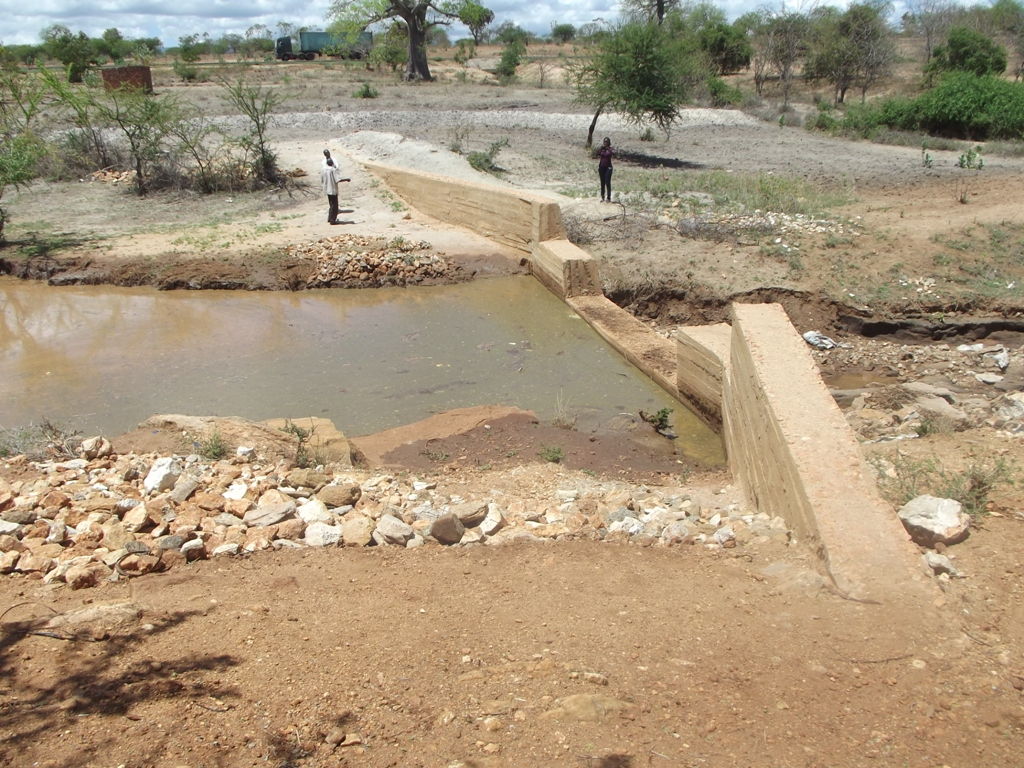 The Water Project : kenya4039-01