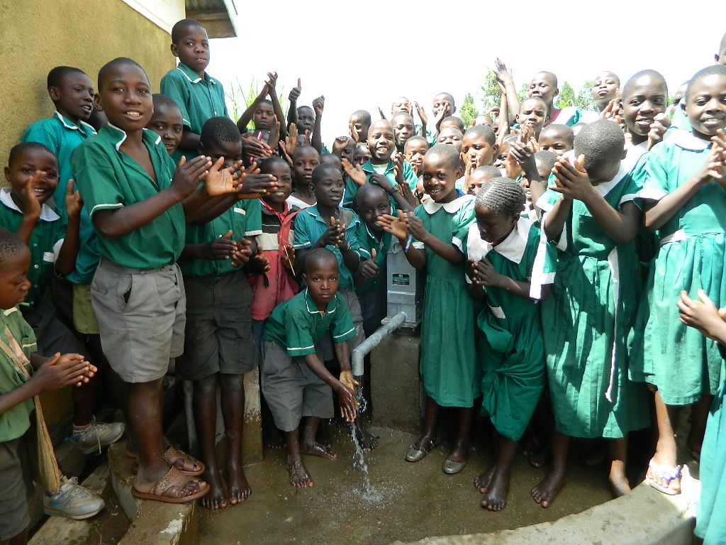 The Water Project : kenya4247-37-iranda-primary-school-handing-over-8