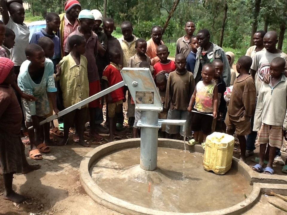 The Water Project : rwanda3078-11