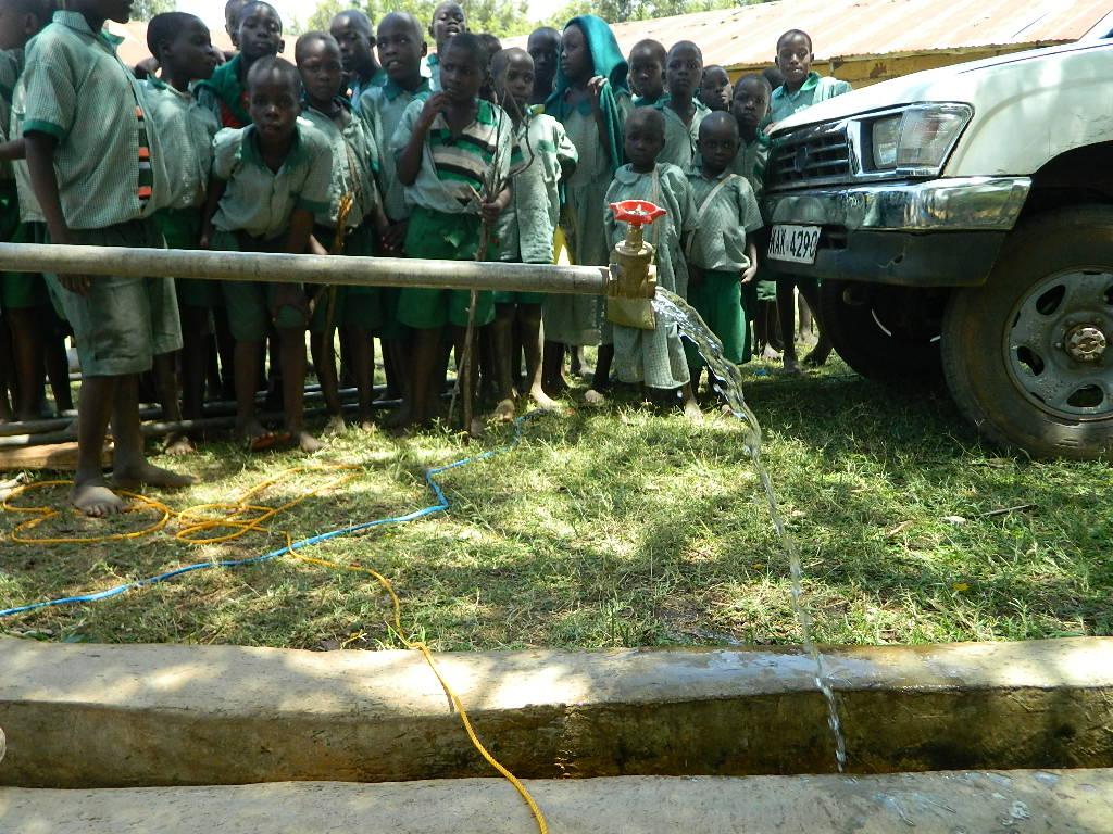 The Water Project : kenya4246-35-ububambula-test-pumping