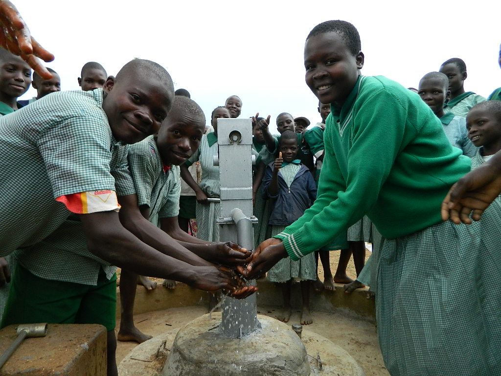 The Water Project : kenya4251-27-iyabo-primary-school-handing-over-2
