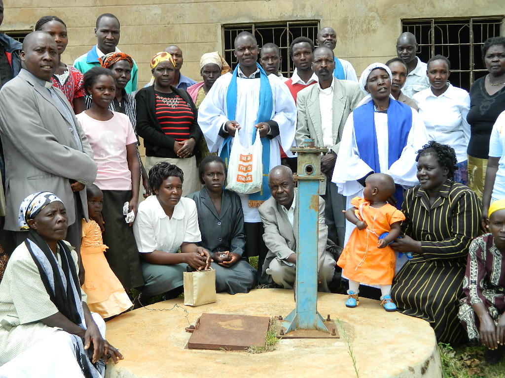 The Water Project : kenya4253-04-church-members-at-the-well