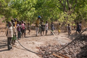 The Water Project : burkinafaso9055-16-test-pumping