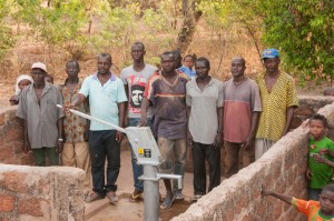 The Water Project : burkinafaso9055-21-the-water-committee