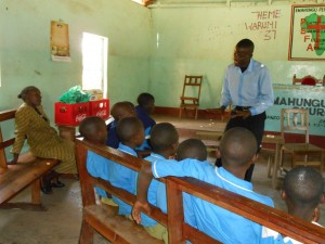 The Water Project : kenya4222-33-upper-primary-pupils-in-a-hygiene-and-sanitation-training