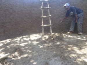 The Water Project : kenya4287-01-artisasn-constructing-lurambi-pri-tank