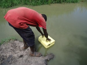 The Water Project : uganda667-02