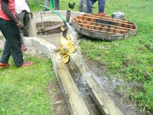 The Water Project : kenya4256-41-pad-repair-at-chebwayi-community