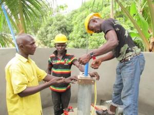 The Water Project : sierraleone5050-06-2