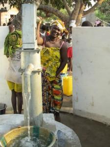 The Water Project : sierraleone5050-09
