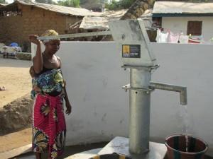 The Water Project : sierraleone5050-10