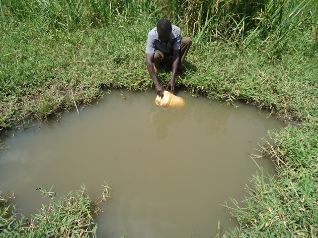 The Water Project : uganda669-03