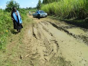 The Water Project : kenya4258-02-the-road-to-eshikulu-community