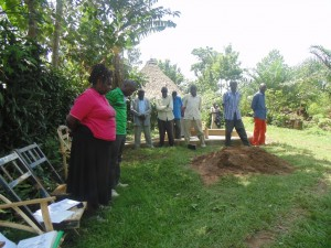 The Water Project : kenya4258-20-opening-prayer-during-community-education-at-shikulu