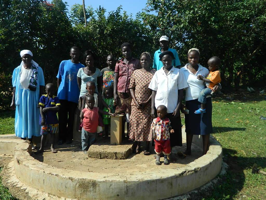 The Water Project : kenya4259-03-the-upck-church-community-members-2