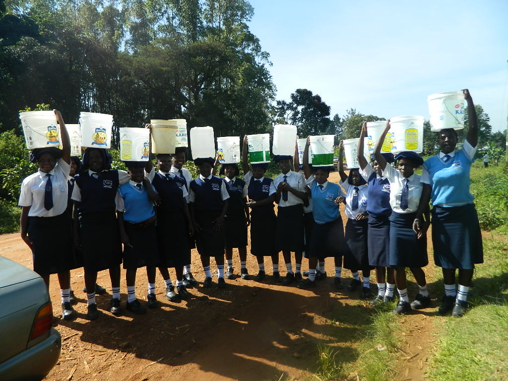 The Water Project : kenya4263-09-students-from-the-current-water-source