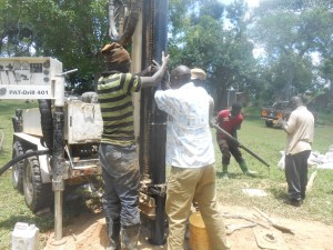 The Water Project : kenya4278-33-casinf-of-elubari-well