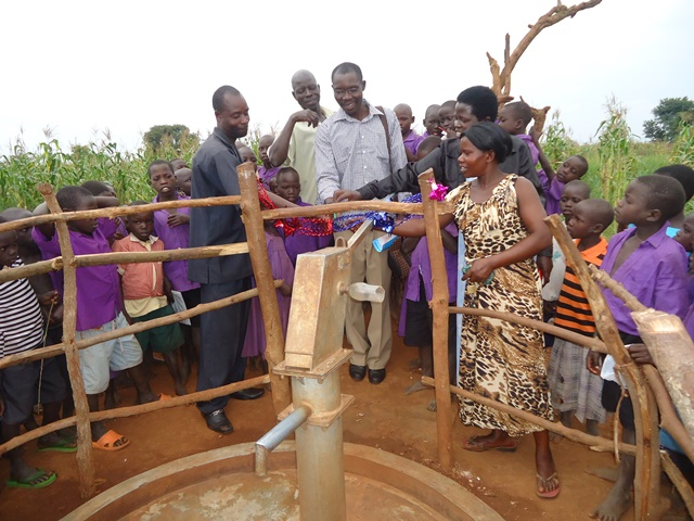 The Water Project : uganda658-21