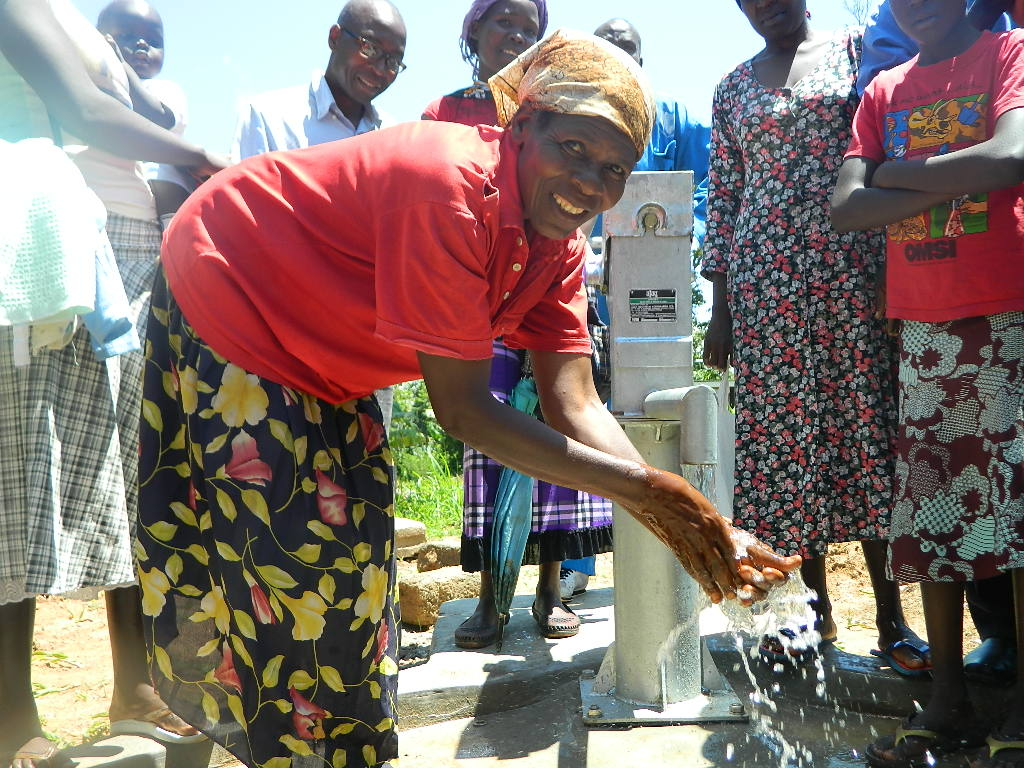 The Water Project : kenya4279-67-handing-over