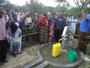 The Water Project : uganda6057-24-dedication-ceremony
