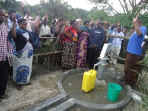The Water Project : uganda6057-41-dedication-ceremony