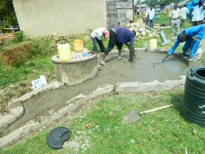 The Water Project : kenya4264-20-lutaso-market-pad-construction