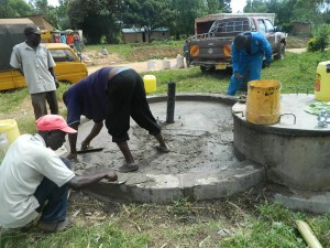 The Water Project : kenya4264-24-lutaso-market-pad-construction