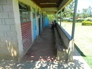 The Water Project : kenya4281-09-imulama-dispensary-patients-at-waiting-bay