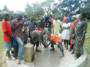 The Water Project : kenya4317-29-navakholo-community-smiling-faces