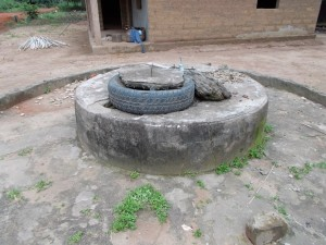The Water Project : sierraleone5055-01-old-water-source