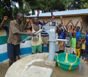 The Water Project : sierraleone5055-08-well-dedication