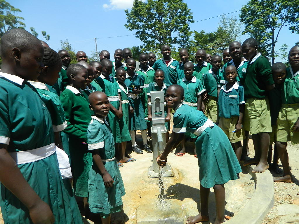 The Water Project : kenya4265-11-handing-over
