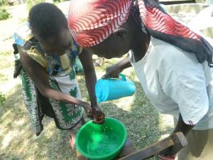 The Water Project : kenya4319-19-handwashing-demonstration