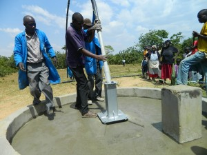 The Water Project : kenya4320-22-cylinder-installation-at-utende