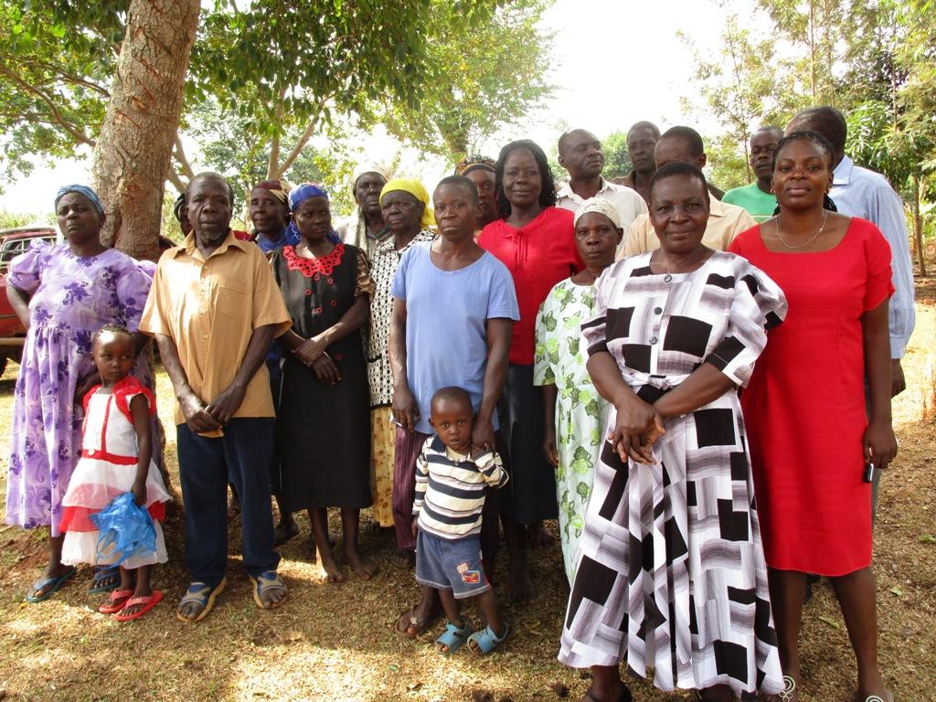 The Water Project : kenya4334-02-community-members
