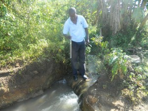The Water Project : kenya4339-03-current-water-source