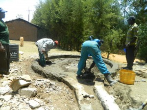The Water Project : kenya4339-31-concrete-laying