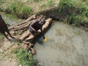 The Water Project : uganda680-04