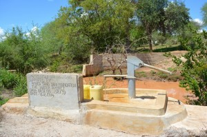 The Water Project : kenya4297-83-insunguluni-shallow-well