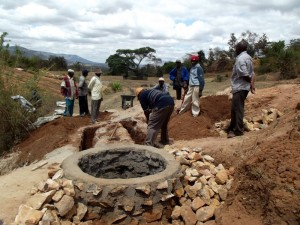 The Water Project : kenya4299-62-kee-3-shallow-well-construction