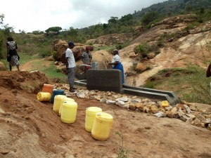 The Water Project : kenya4299-63-kee-3-shallow-well