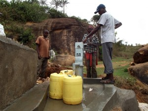 The Water Project : kenya4299-67-kee-3-shallow-well