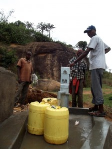 The Water Project : kenya4299-69-kee-3-shallow-well