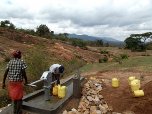 The Water Project : kenya4299-77-kee-3-shallow-well