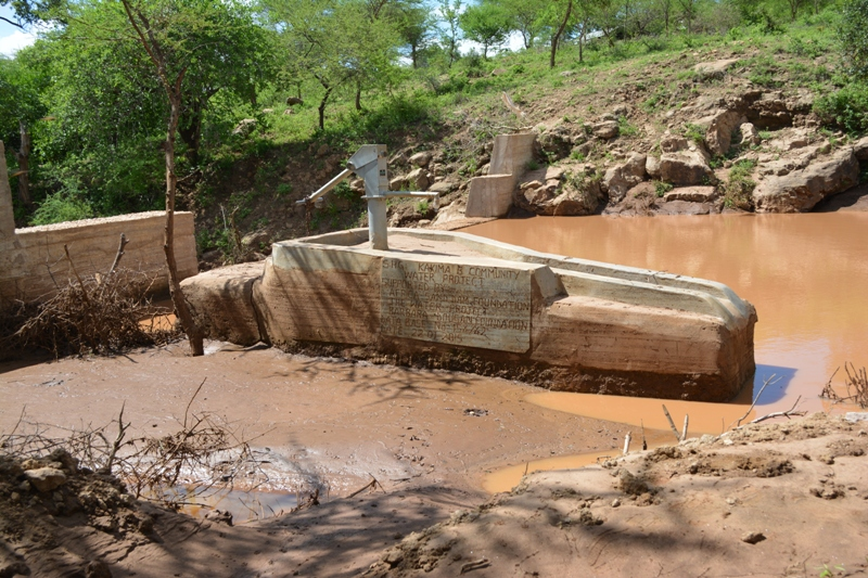The Water Project : kenya4306-101-kakima-shallow-well