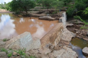 The Water Project : kenya4306-107-kakima-shallow-well