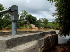 The Water Project : kenya4307-15-kee-2-shallow-well-complete