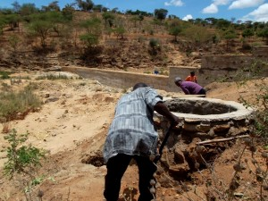 The Water Project : kenya4308-65-shallow-well-construction