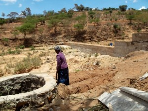 The Water Project : kenya4308-70-shallow-well-construction